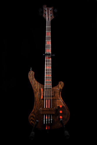 Bass (1)