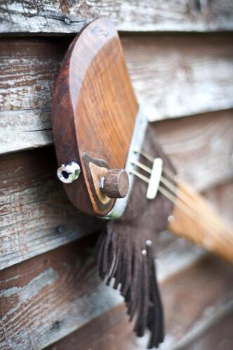 Geronimo. Trzystrunowy kijograj inspirowany strzelba slynnego wodza Chiricahua