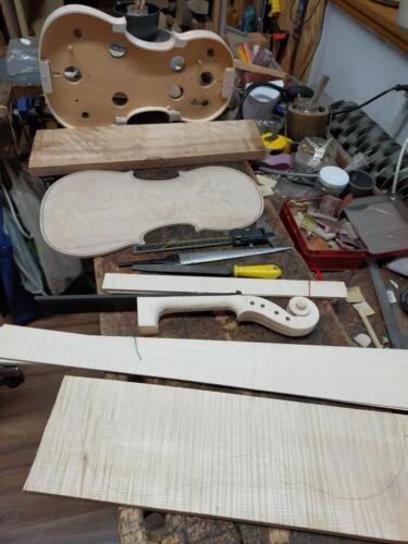 budowa skrzypiec materiał