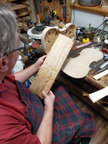 wybór materiału na instrument